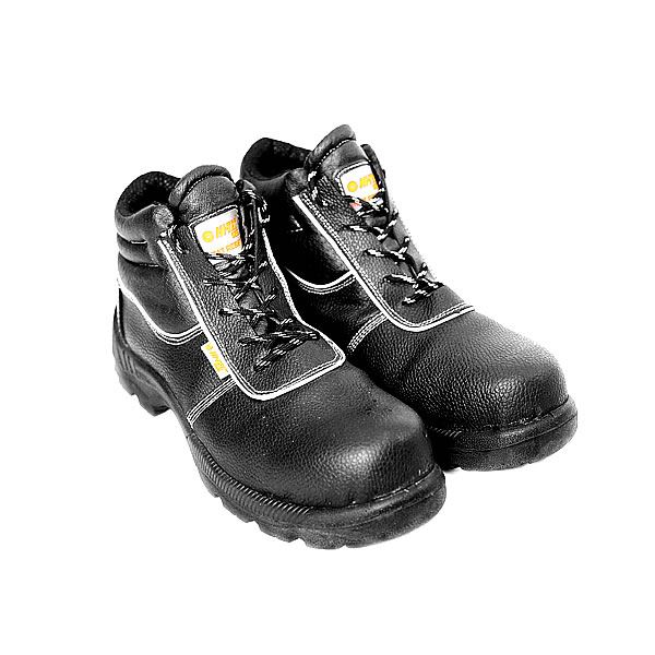 Hi Tec Metallic Boots security products in  (South Africa)